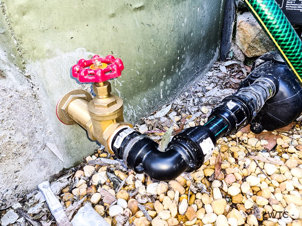 This image shows the new plumbing after having a liner installed.